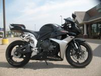 2007 Honda CBR600RR in Black5,781 milesStand out in the