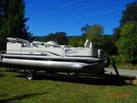 Two boats at great prices a 2001 Lowe Sun Cruiser 20ft