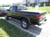 2001 CHEVY S10 - ZR2 , BLACK W/GREY INTERIOR NO RIPS OR