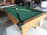 7 foot wood pool table with poker top and cue