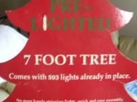 FOR SALE: PRE LIT(600 Lights) CHRISTMAS TREE --BRAND