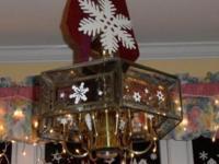 $10. 7-Light Polished Brass Finish Chandelier Light