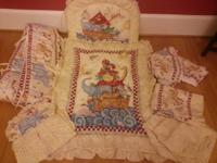 Beautiful 7 peice Kidsline (Babiesrus) crib set