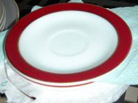 Vintage 1950-1960 vintage Pyrex dishes. White milk