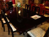 This luxurious dining room set illustrates the