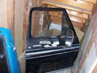 have a passenger side door off of an 75 f150 fits a