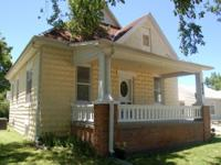 Ideal Home for Single or Couple. Central Salina