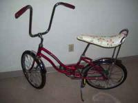Hi, very clean 1972 schwinn stingray girls , all