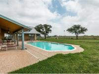 Beautiful cattle ranch just outside Floresville with