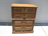 This excellent, sturdy and attractive dresser has lots