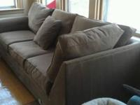 U sectional couch from Macy's, Looks brand-new,