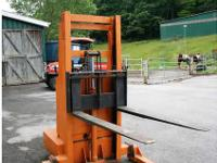 STACKER FORK LIFT, Electric, (Stacker), Very Nice
