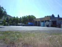 7500 SQ/FT building and plenty of parking in Cashmere,