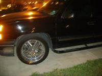 sale all 4 pinnacle 22 inch for chevy, tires are in