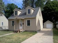 1724 St Lawrence clean 2 bedroom house, very quiet