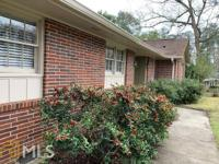 North Macon brick ranch features 3 BRs and 2 fully