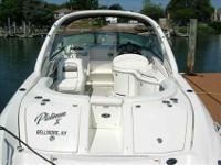 2007 Sea Ray 290 SUN SPORT This 2007 290 Sun Sport is