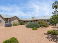 An incomparable setting in Arroyo Hondo, with end of
