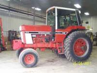IHC 986 tractor, Duals and weights 5900 hours, 600