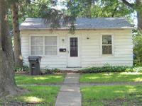 Great location!  This 2 BR house near Lincoln Avenue is