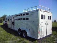 1986 Featherlight alum GNC 725, 4 horse, stud divider,