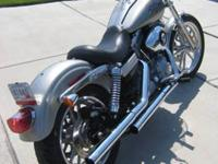 Beautiful one owner 2009 Harley superglide with 9300
