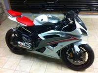 Up for sale is my 2009 Yamaha R6. I bought the bike