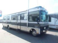 GREAT VALUE QUALITY RV!! Spacious 37 feet