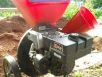 8 HP Simplicity Chipper Shredder. Excellent condition,