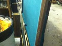 Green felt pool table with no rips at all. 8 foot
