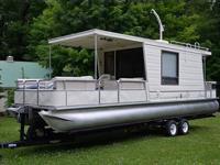 Up for sale is a 1993 Aqua Chalet 8ft X 32ft triple