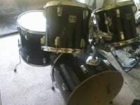 "22"" kick, 14 x 6 snare, 12""/ 13"" rack toms, 16"" floor."