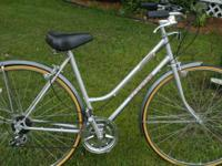 "Excellent condition 10 Speed. Has a 20"" / 51cm lugged"