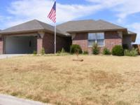 Nice newer home in Aurora Mo.. 3 bedrooms , 2 baths
