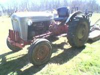 its a ford 800 gas burner 5 speed with 40 horse power
