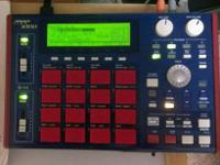 Akai MPC 1000 w/ 2.13 OS comes with original box and