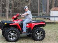 """2009 Polaris 800 """"4 wheeler"""" Red. 28inch Mud Lites"""