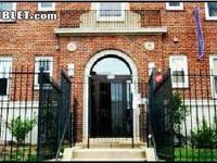 ROOMMATE WANTED 2 bedROOM GATED CONDO APPARTMENT *