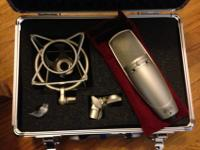 Beautiful used Shure KSM44 mic in perfect condition.