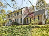 829 Courtney Street-Stately 1.5 story home on wooded