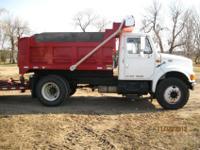 1999 33,000 GVW International dump truck, 2005