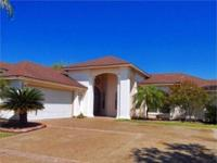 8411 Crownwoods 3/3.5/2 Beautiful home with formal