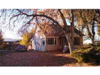 Short Sale! 3 bed/1 bath in Greybull. Corner lot, big