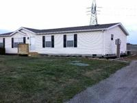 2005 CLAYTON, 28' X 56', 3 BEDROOM/2 BATH HOME WITH