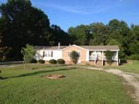 2004 Clayton Riverland. 32X68 2176 sq. ft. 3BR 2BA.