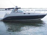 2005 Rinker 342 This Rinker 342 is very roomy and