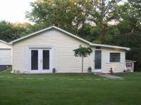 Relaxing 2 BR Cottage in peaceful wooded area 365 Yds