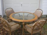 Also comes with 4 Chairs with wheels. Only $85.00***