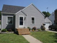 Great home in SE area of Mason City. 2 bedrooms on main