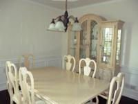 Stanley Dining Room Set. Light Stained, Queen Anne